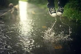 Lyza Walking in the rain